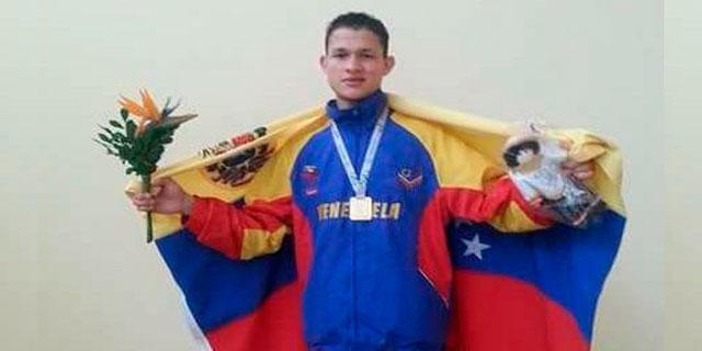 LUIS Arcón boxeador campeon 2016