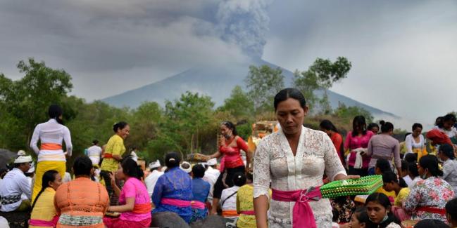 Erupción del volcán Agung en Indonesia